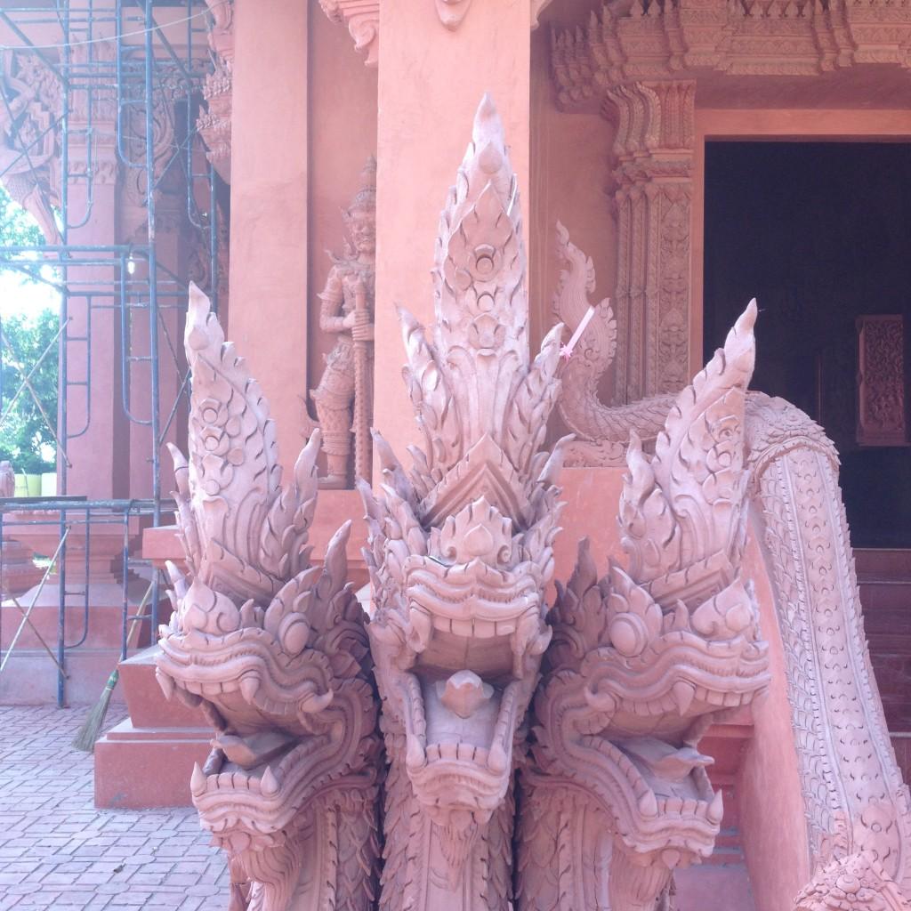 Урок медитации, который мне преподал Будда или как я посещал красный храм на Самуи
