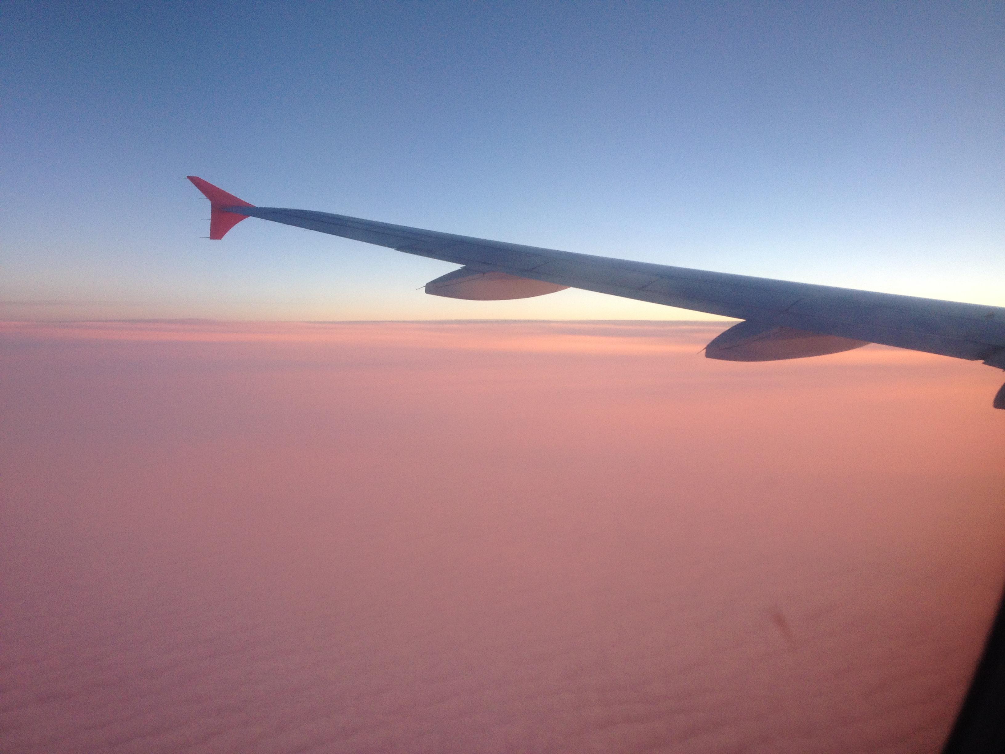 Вот какие краски можно увидеть, если летаешь по утрам