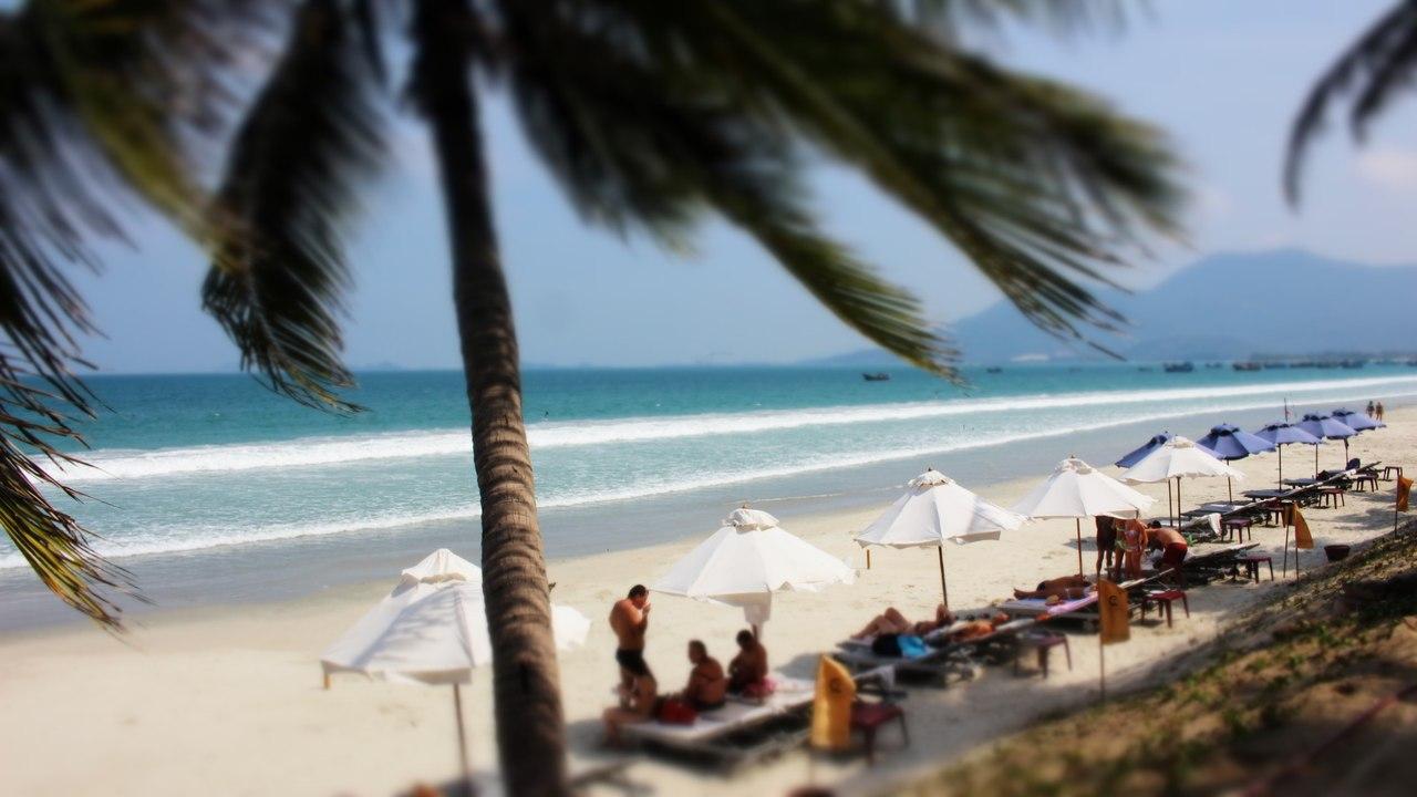 фото одного из пляжей Вьетнаме (Нячанг), где отдыхают туристы из России