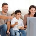 Семья-смотрит-фильм