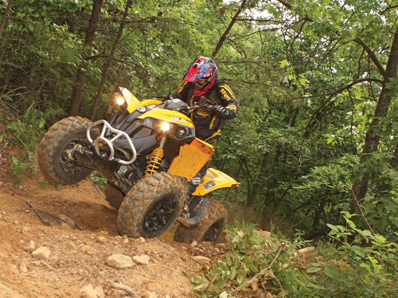 2012.can-am.renegade1000.white_.front_.riding.up-hill