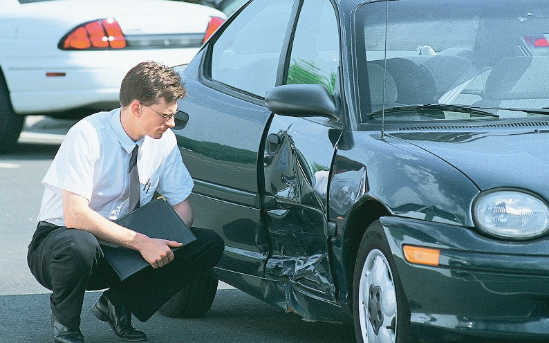 Что делать при аварии автомобиля с осаго