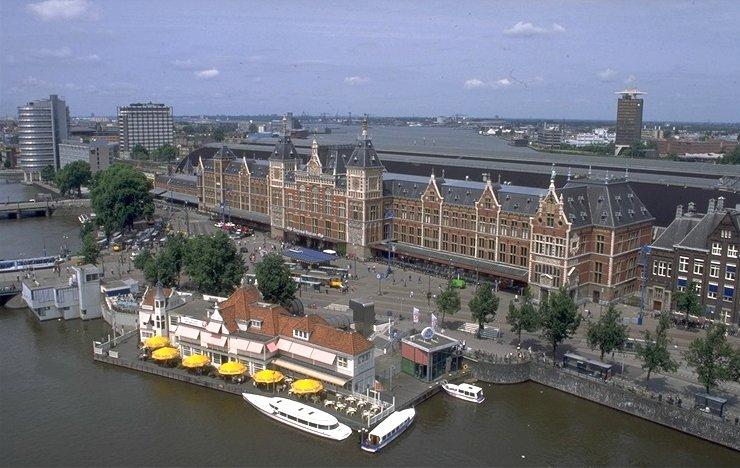 Центральный вокзал Амстердама вид сверху