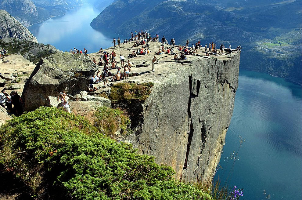 02-Preikestolen-Norway