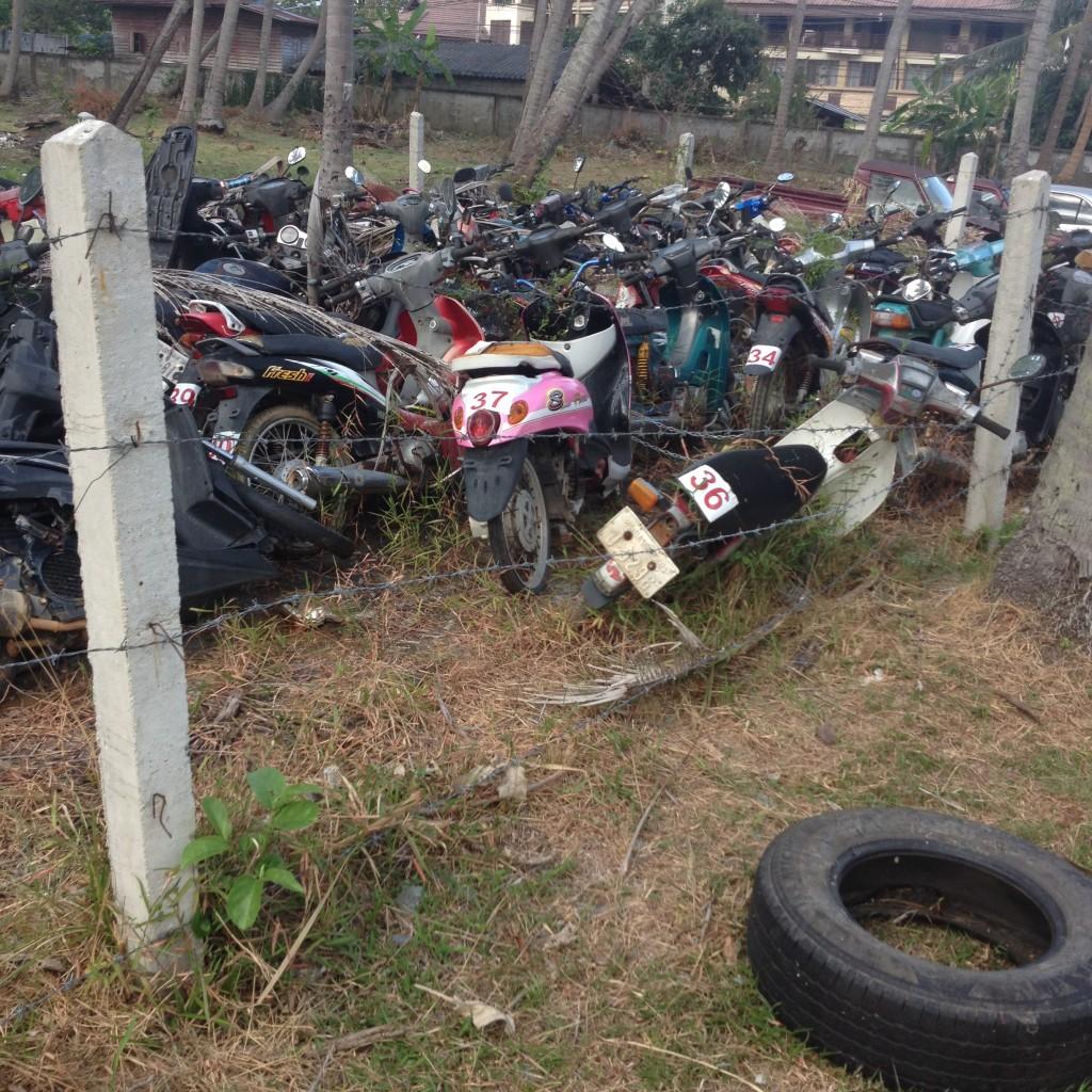 кладбище разбитых автомобилей