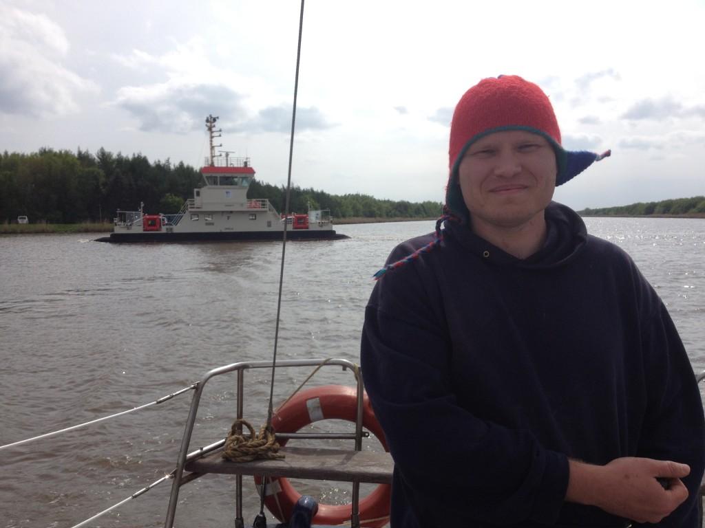 суровый человек Евгений Бенц, один из участников нашего путешествия на яхте