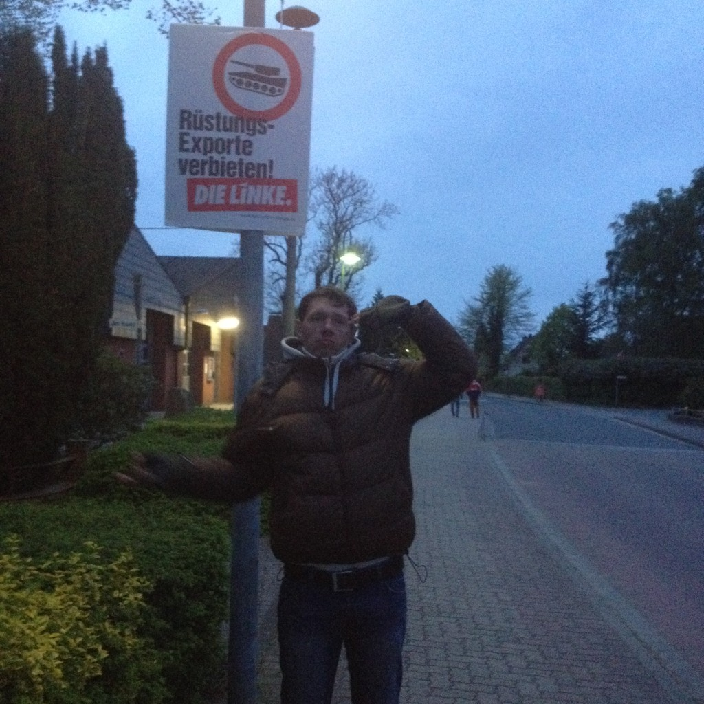 в Рендсбурге настолько тоскливо, что жители развлекаются ездой на танках