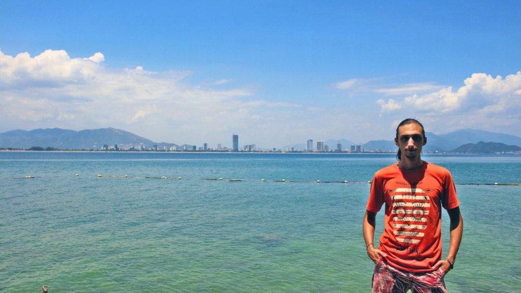 фотография из вьетнамского Нячанг на берегу моря