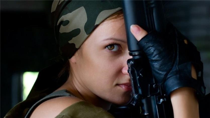 девушка в берете фото армия