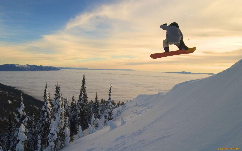 прыжки на сноуборде в горах