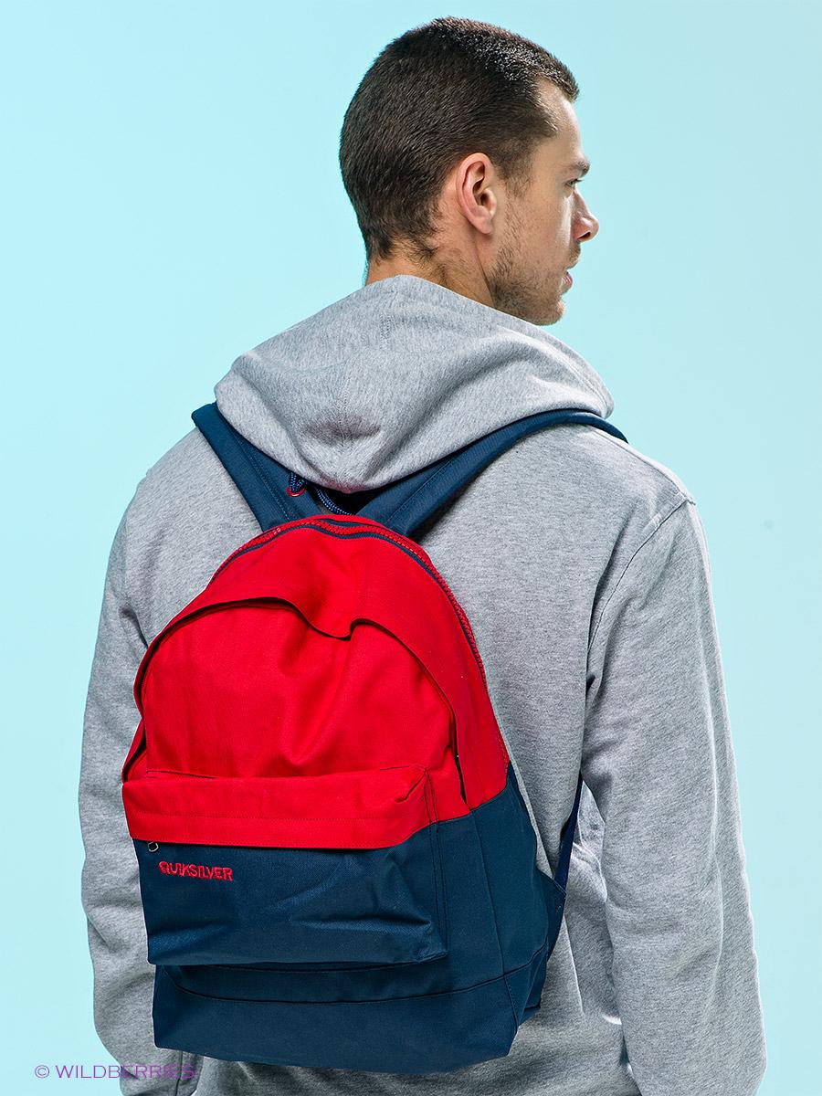 рюкзак за плечами