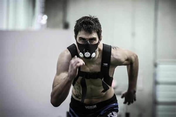 маска для занятия бегом