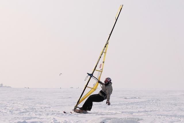 зимний серфинг на снегу