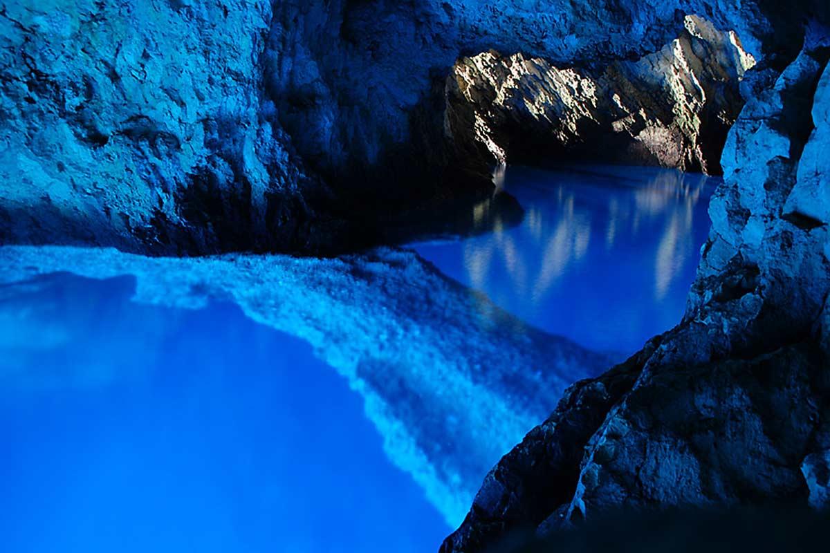вис голубая пещера