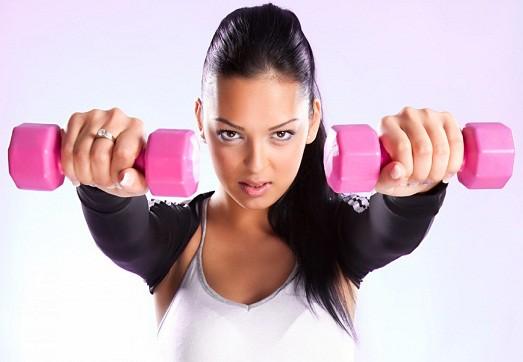 аэробные упражнения с гантелями