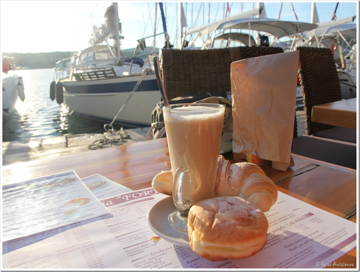 завтрак на яхте