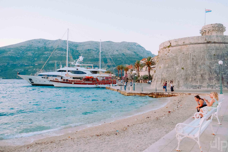 гавань и крепость корчулы фото