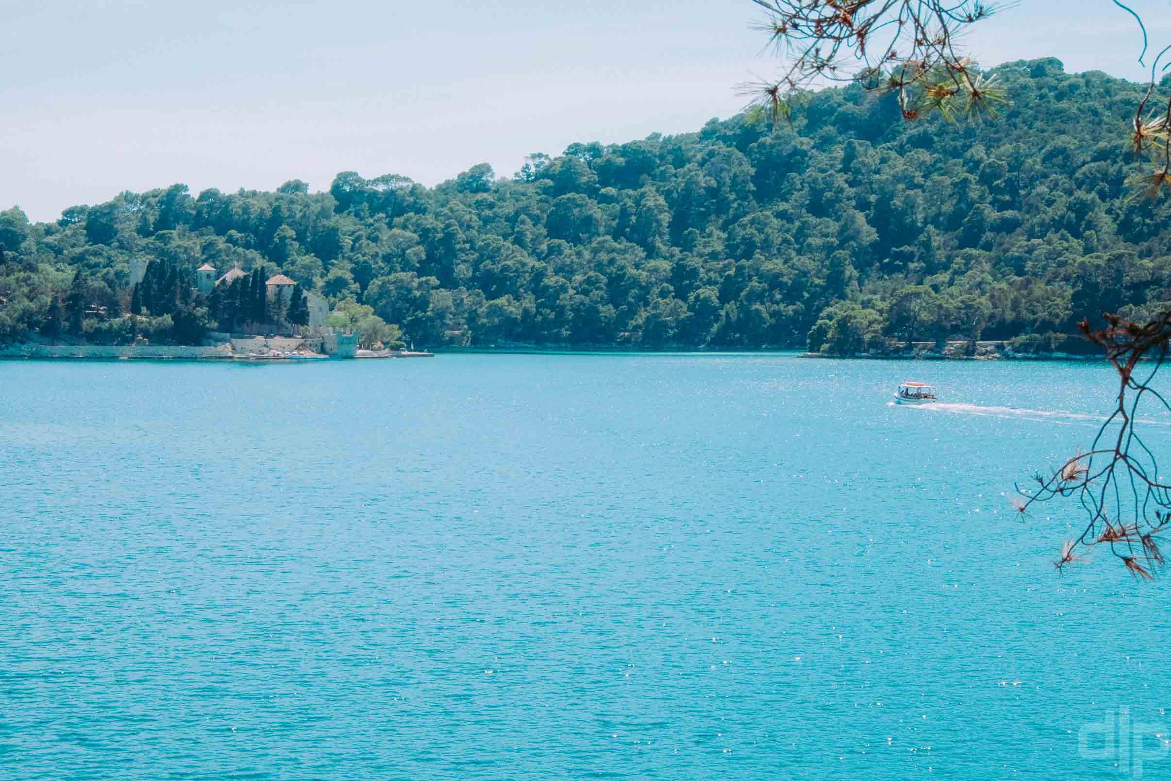 остров млет бенедектинский монастырь фото с берега