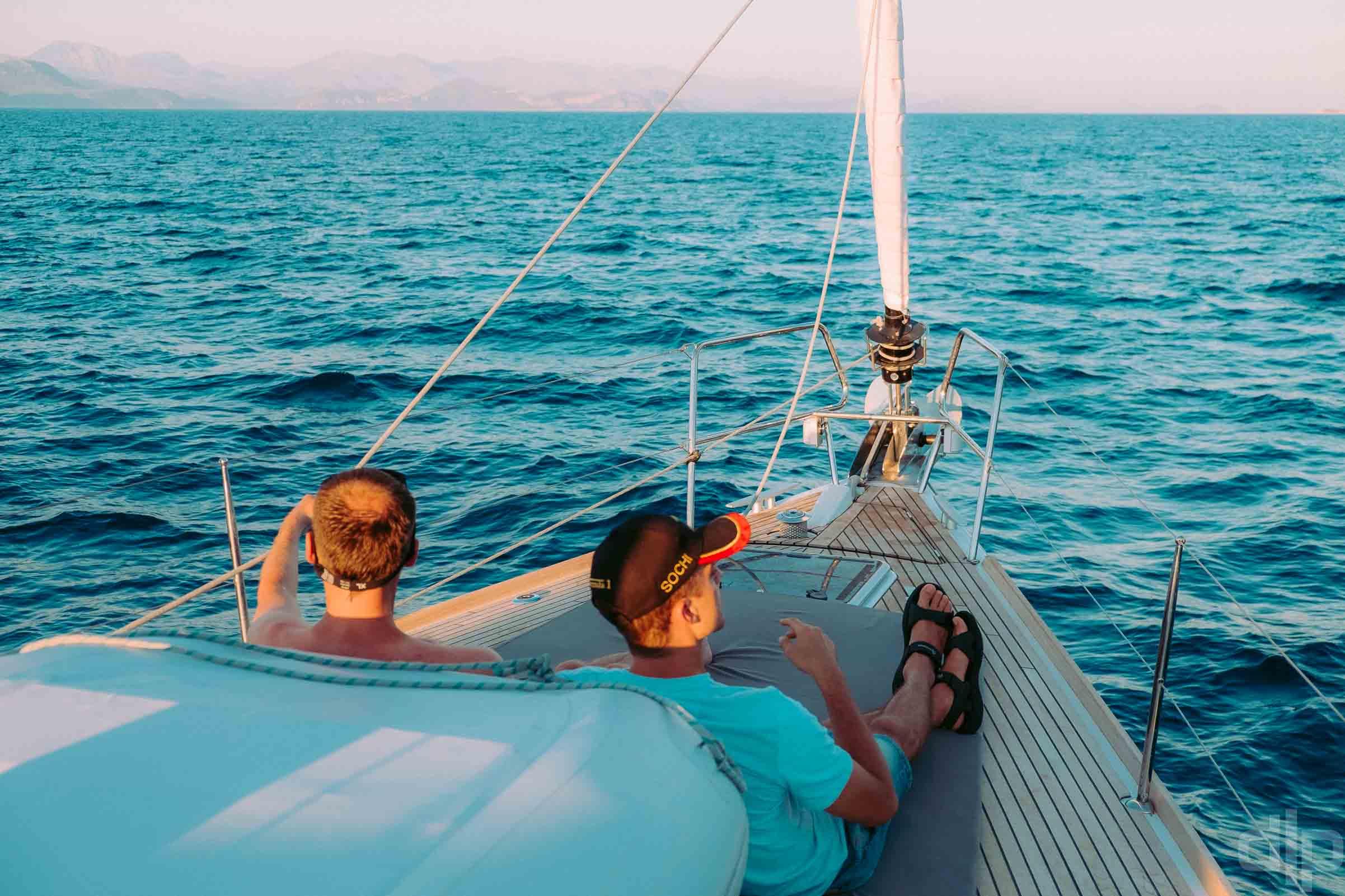 на борту Benetau Oceanis 48