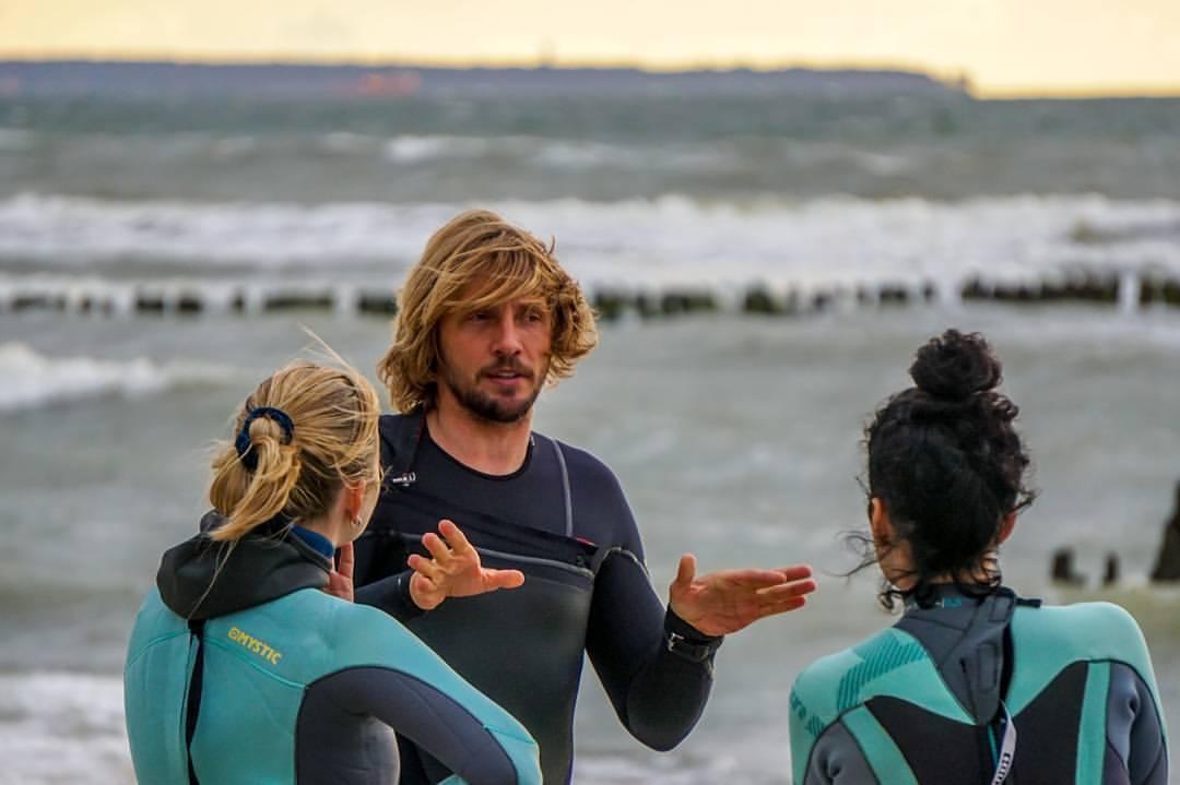 евгений исаков занятие серфингом