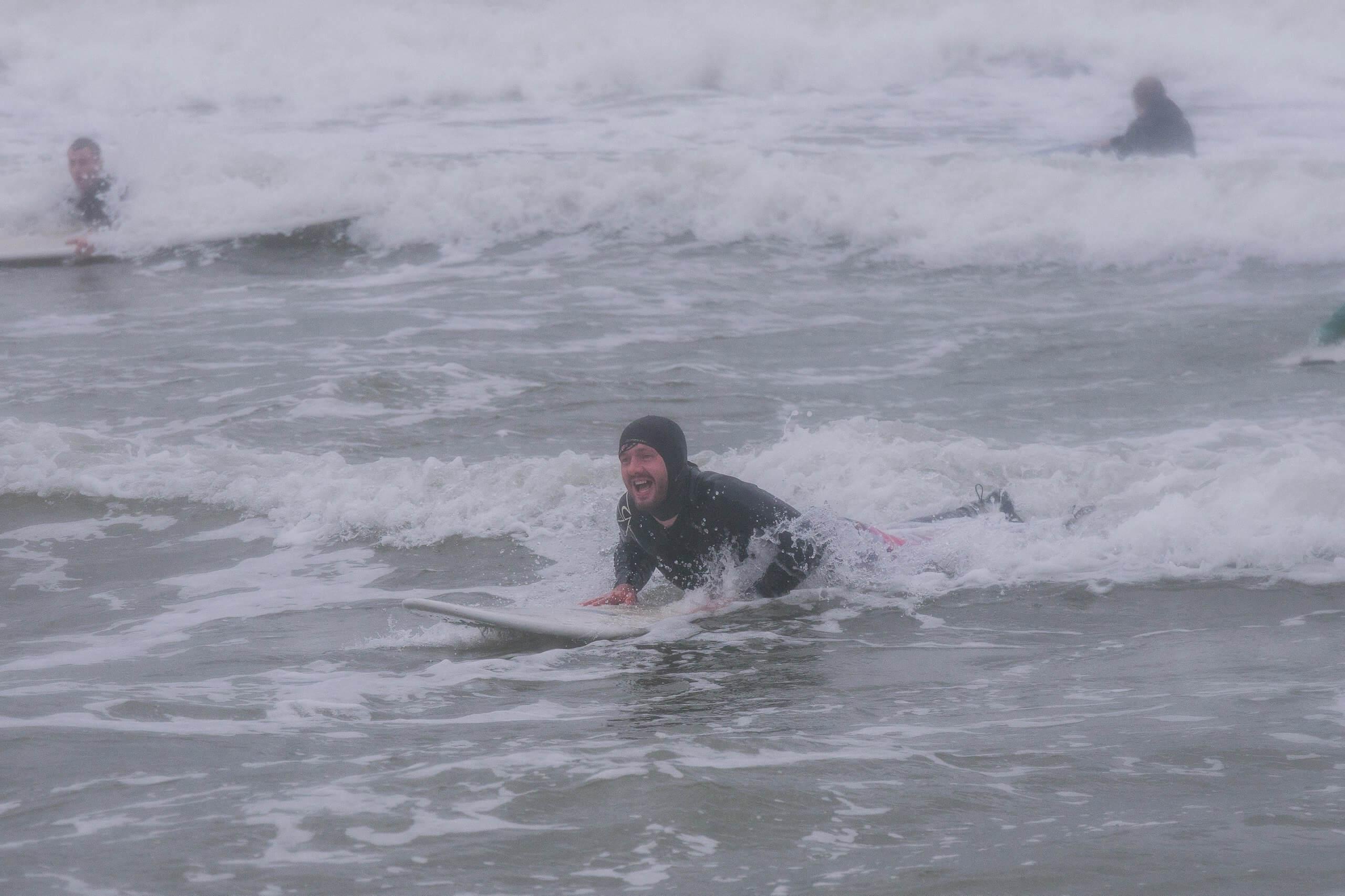 дмитрий пелин на серфинге вместе с проектом на грани