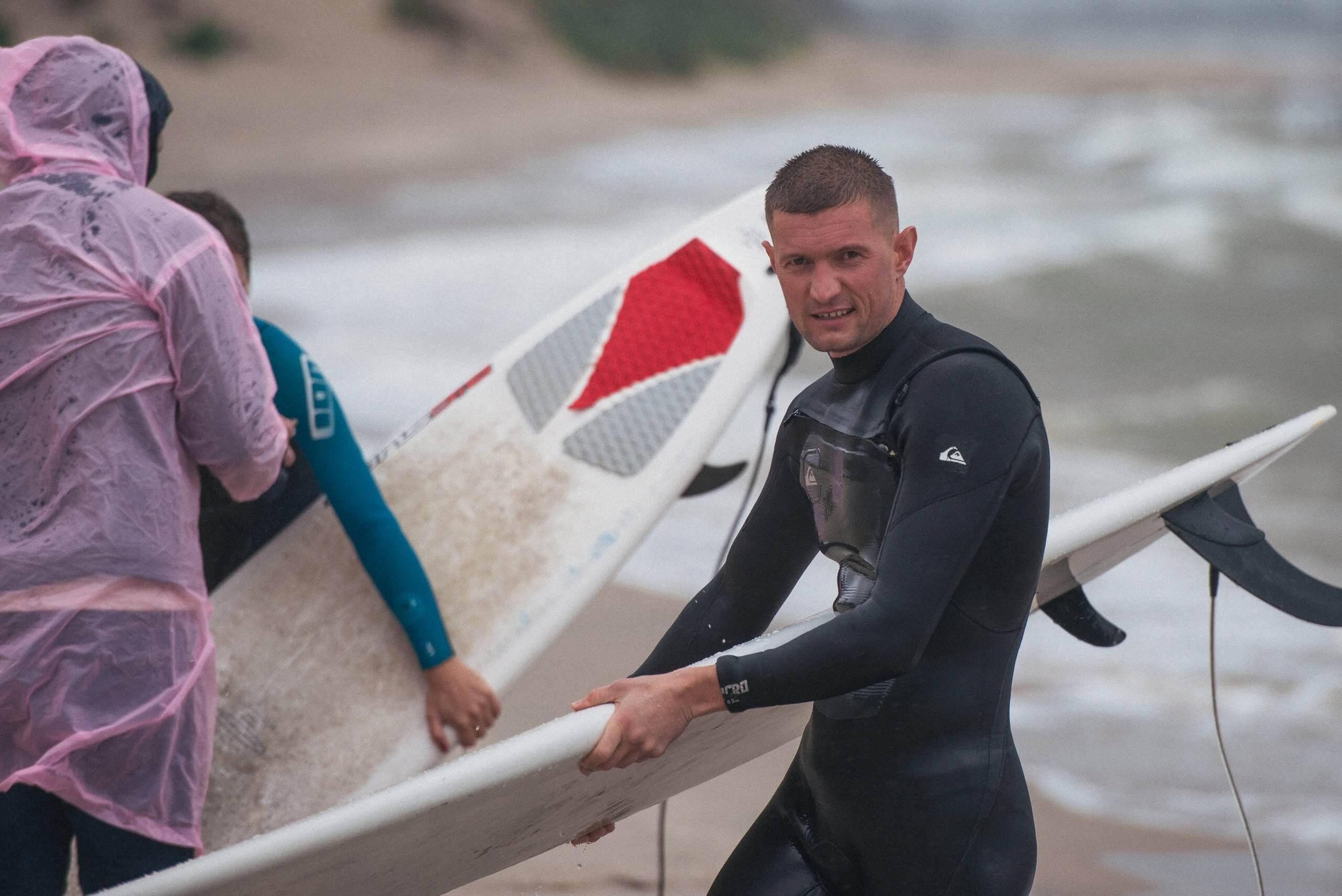 кирилл на серфинге в зеленоградске