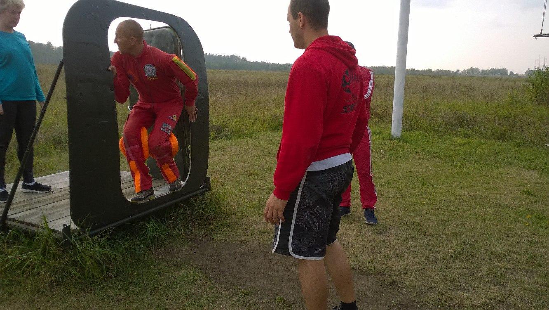 подготовка к первому прыжку с парашютом