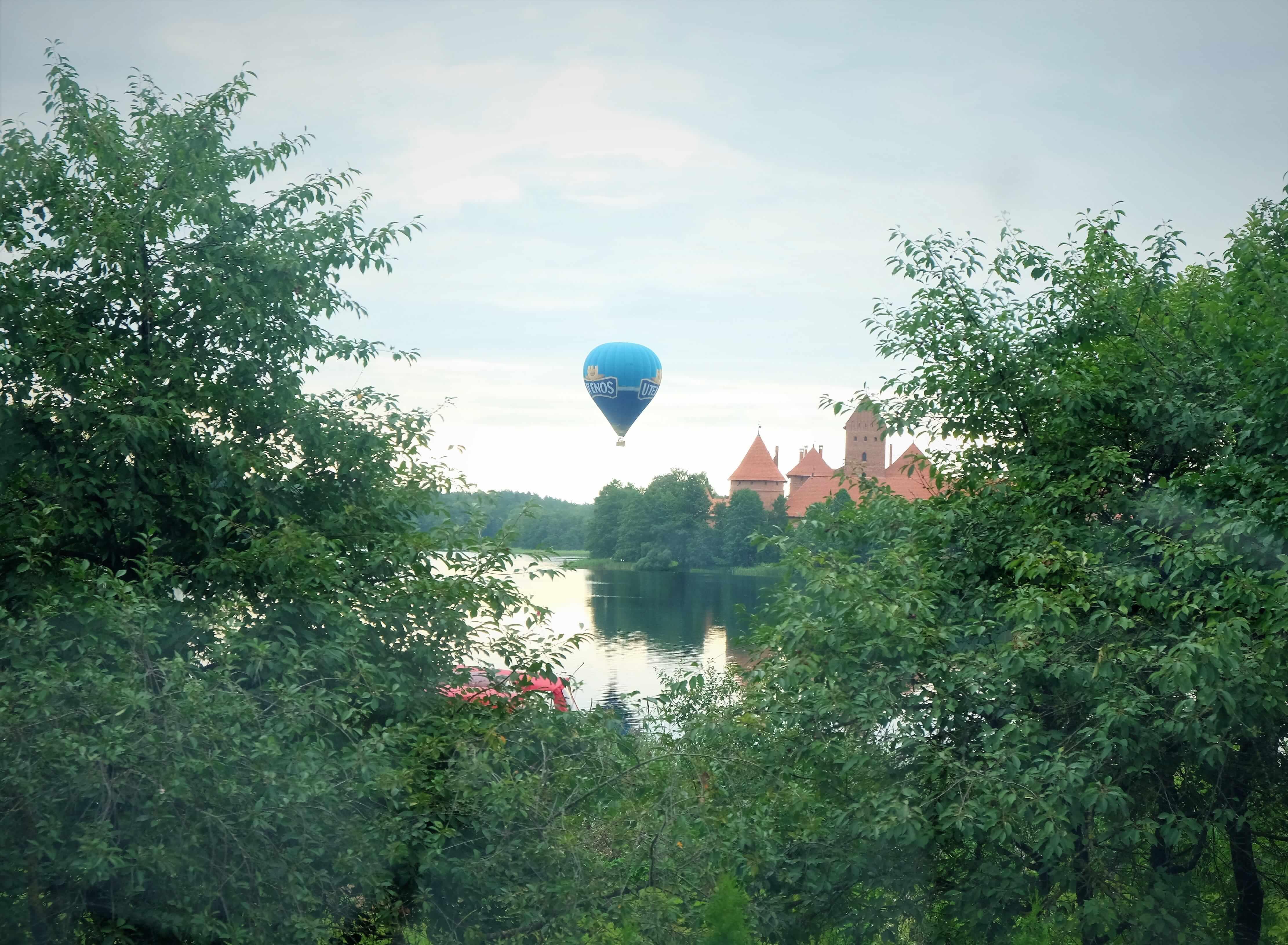 полеты на воздушном шаре над тракайским замком