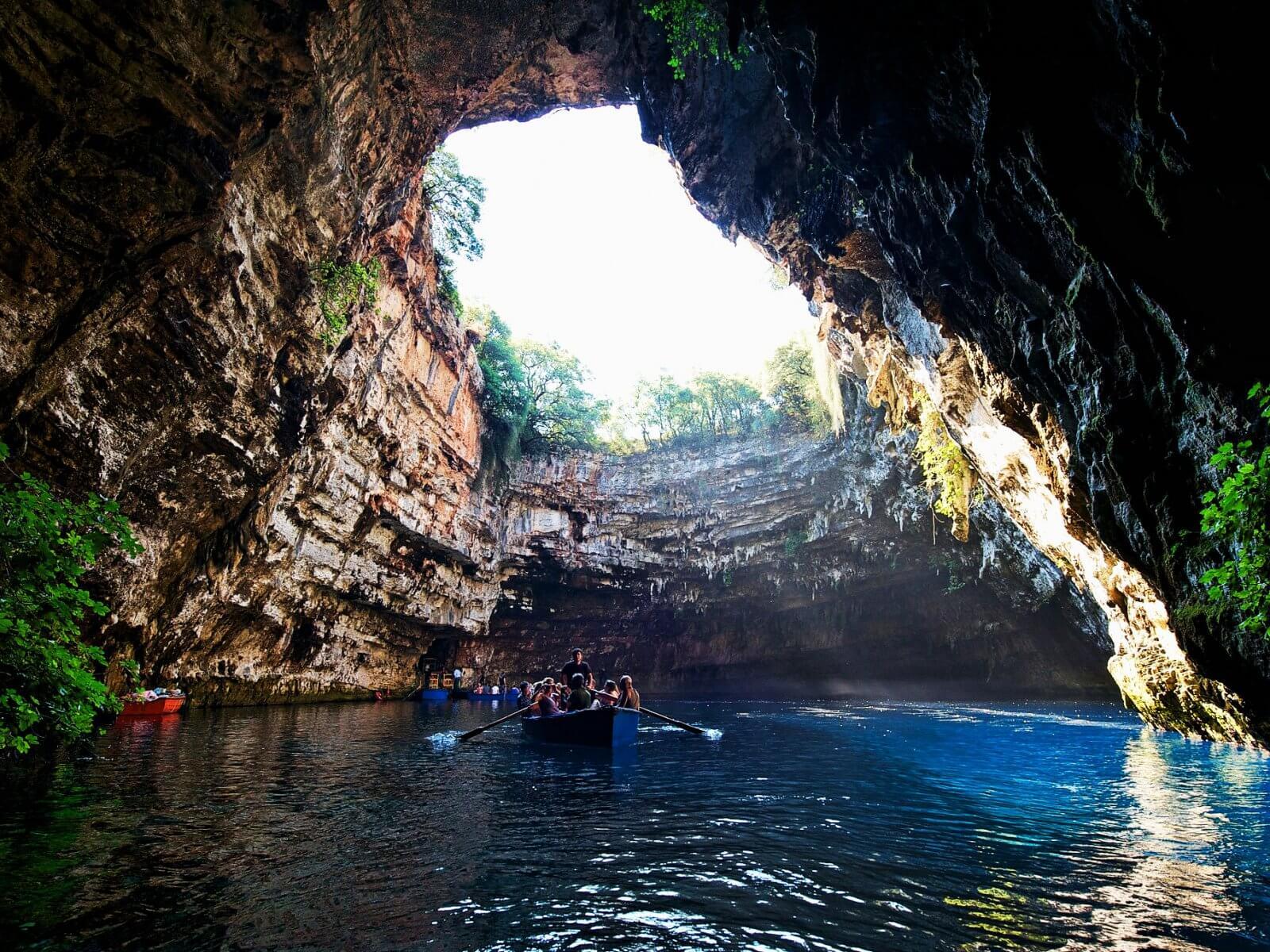 пещера Мелисани