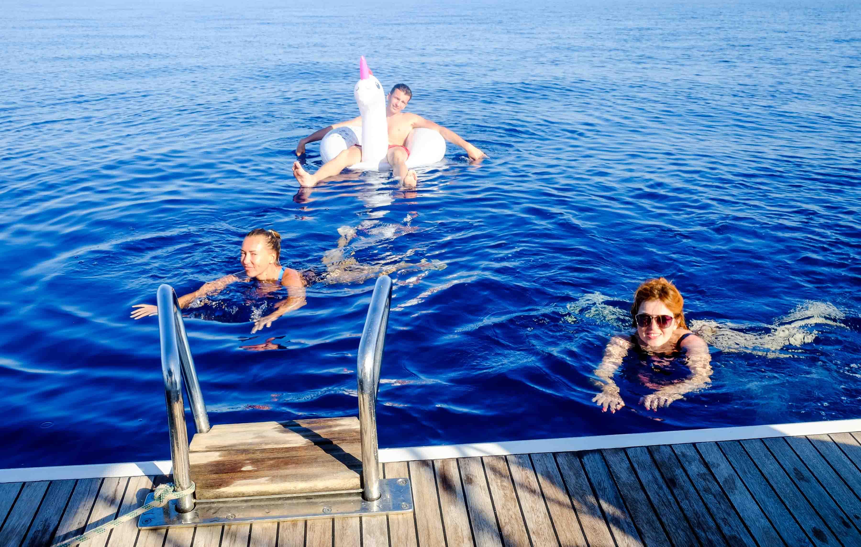 купание в ионическом море