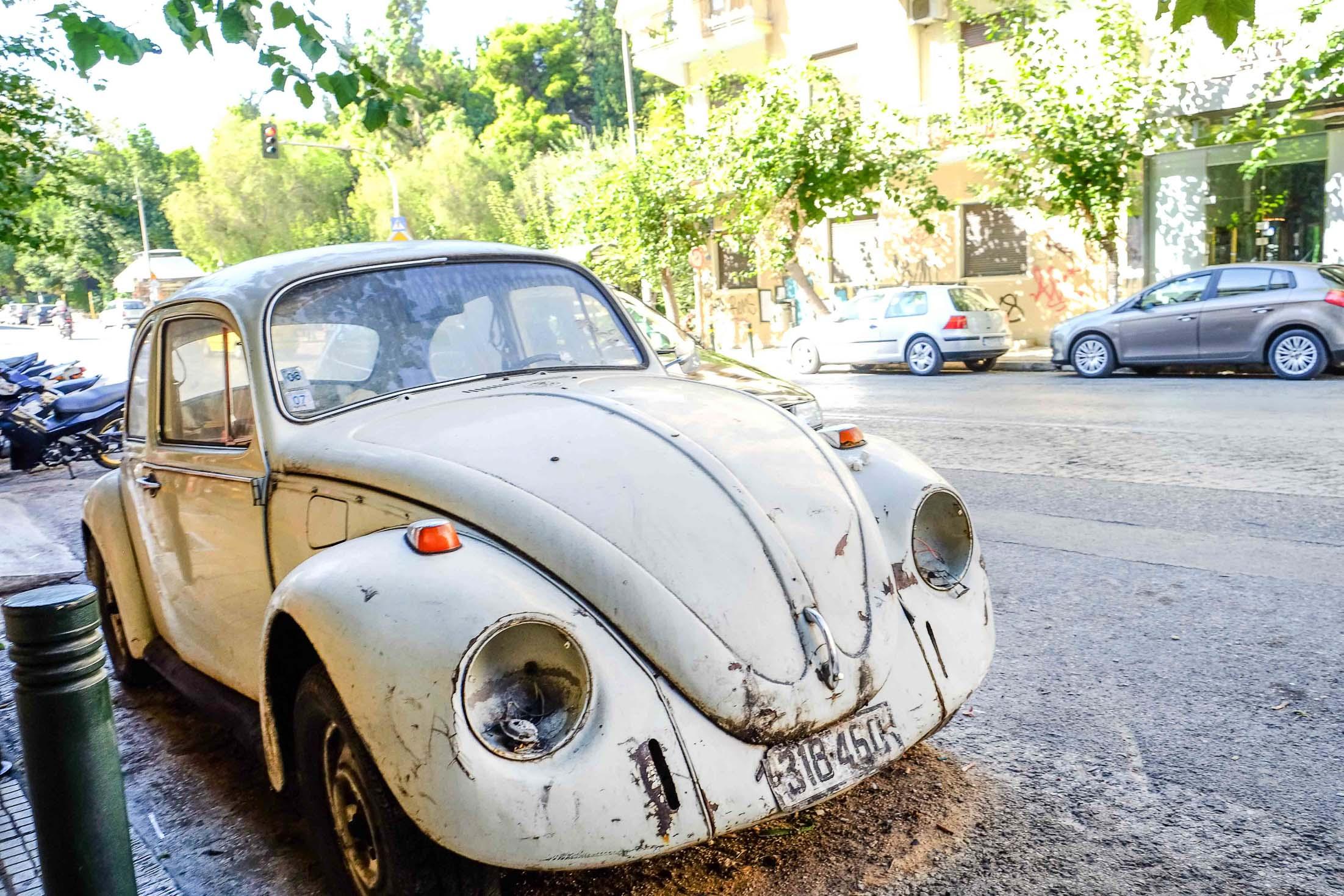 брошенные авто в афинах