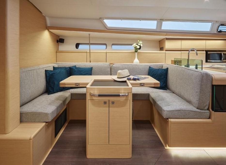Sun-Odyssey-449-interior