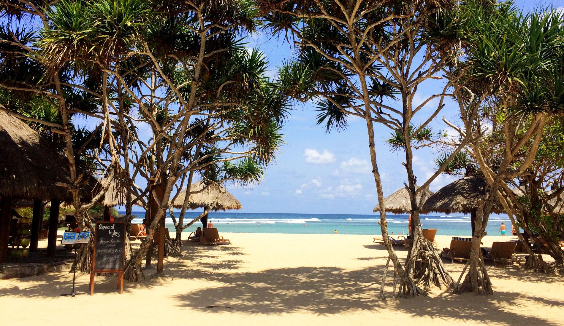 пляж нуса дуа на бали ноябрь
