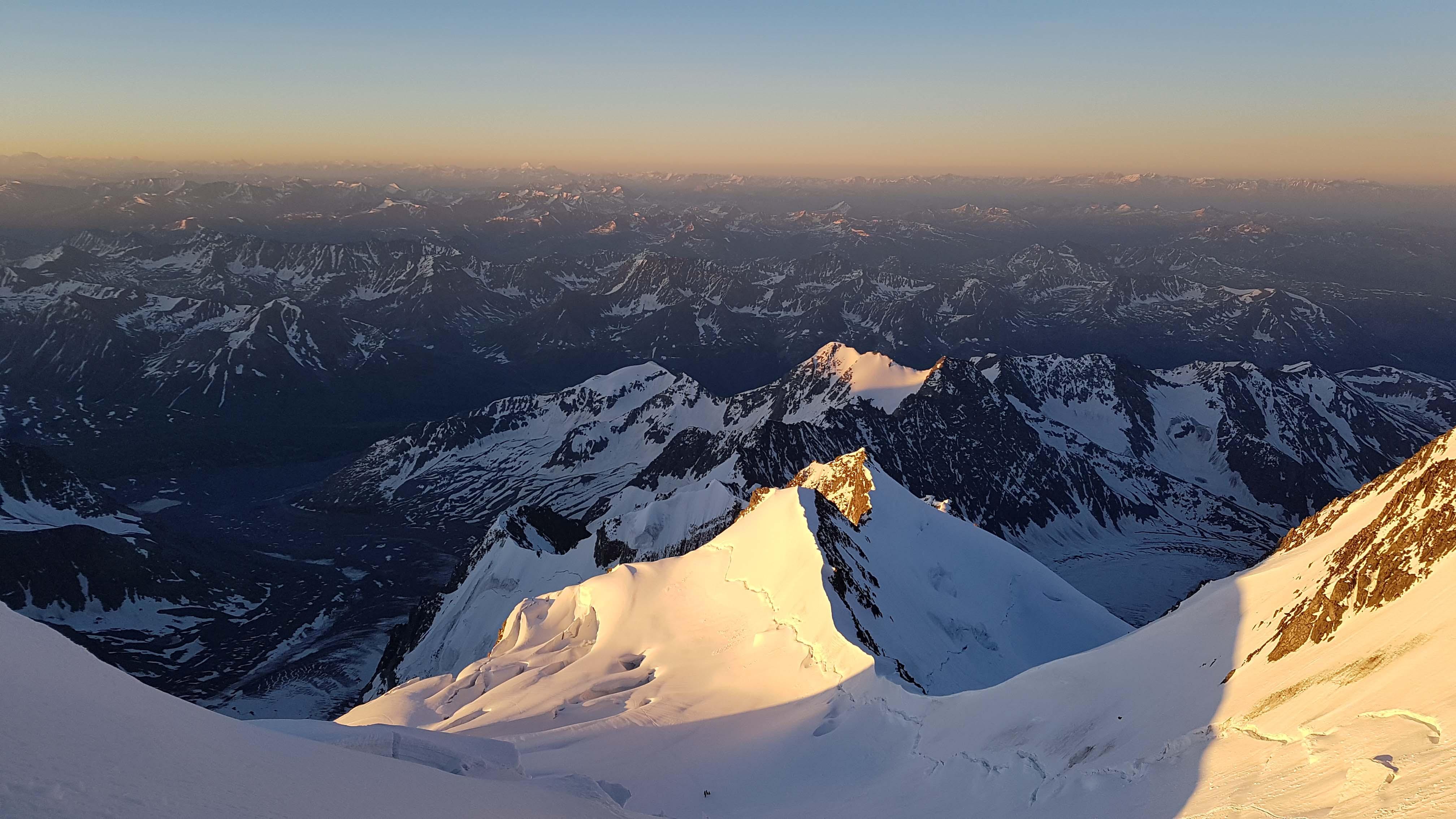 гора белуха горный алтай вершина фото