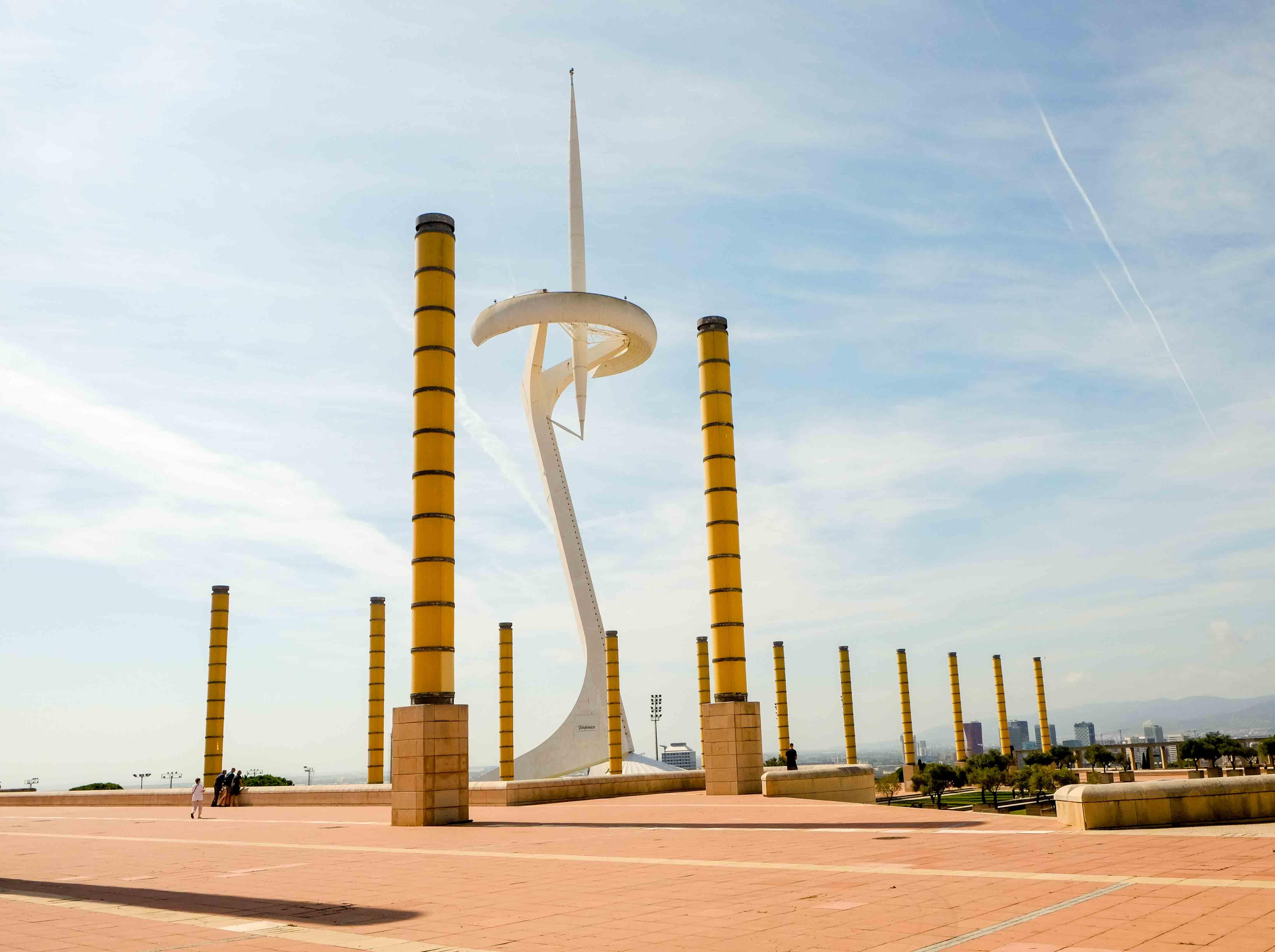 башня калатравы барселона фото