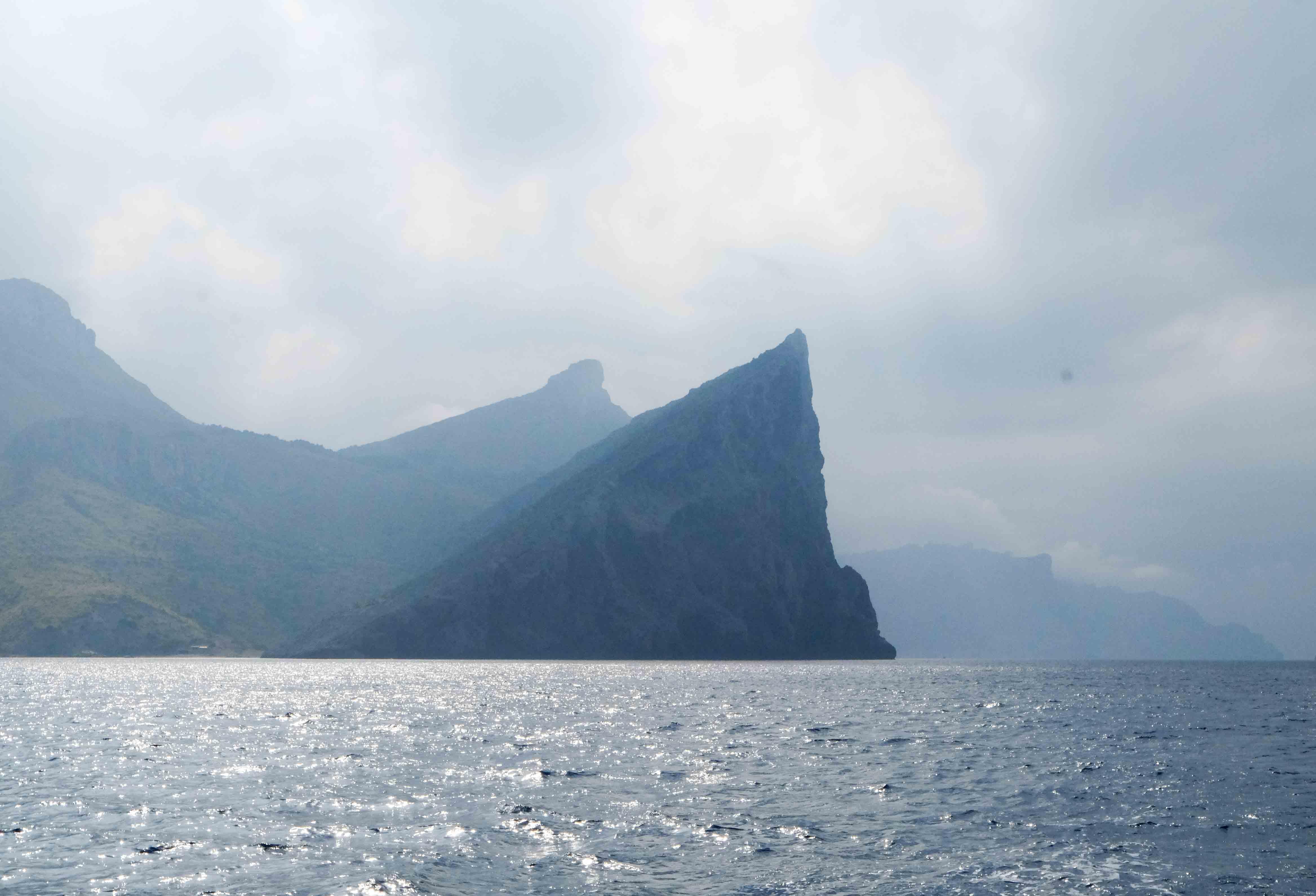 побережье рядом с форментором майорка